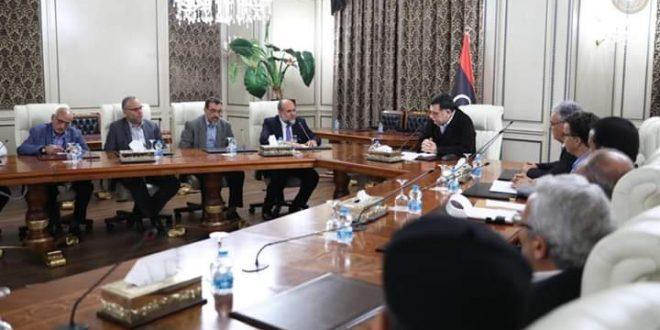 """رئيس المجلس الرئاسي يستقبل وفدا"""" من أبناء مدن ومناطق المنطقة الغربية"""