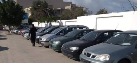 معارض الارصفة :  ازدحام طرقات ..ومواطن يبـحث عن ممر آمن !!