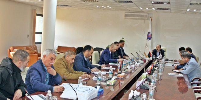 اجتماع بشركة الكهرباء يبحث تنفيد اجراء عمرات للمحطات ووحدات الإنتاج
