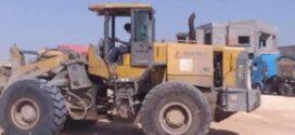 فرع الخدمات ببلدية أبوسليم يقوم بفتح وتنظيف الطرقات الرئيسية والفرعية بمحلات مشروع الهضبة الزراعي